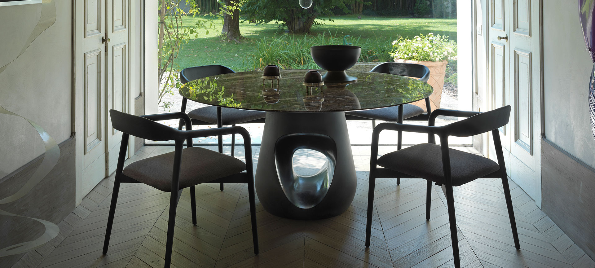 Dining room with Barbara table and Velasca chairs