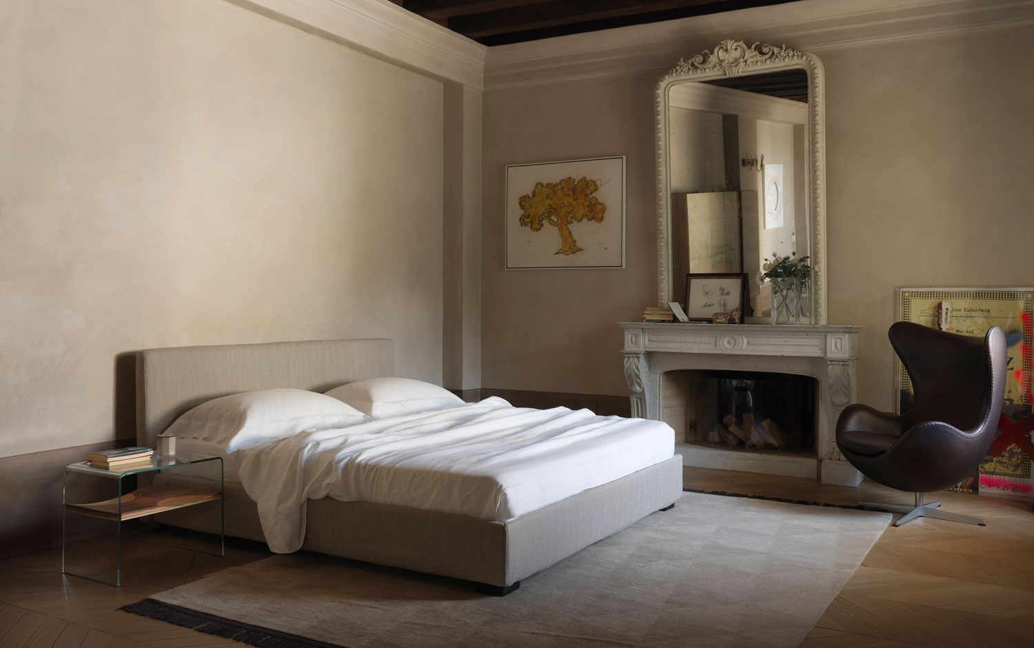 Lipari bed in a bedroom