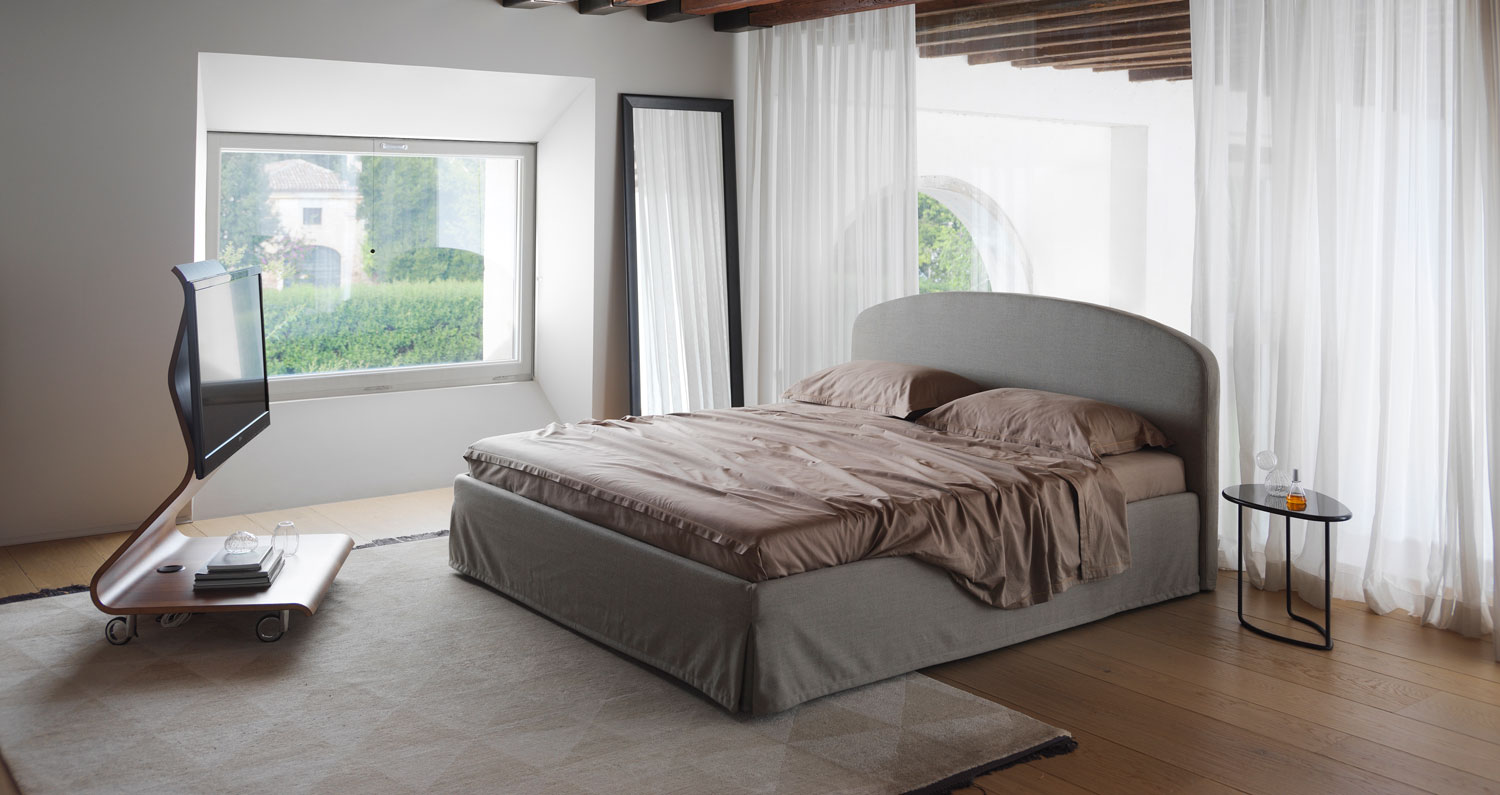 Lbed inosa Plus bed in a bedroom