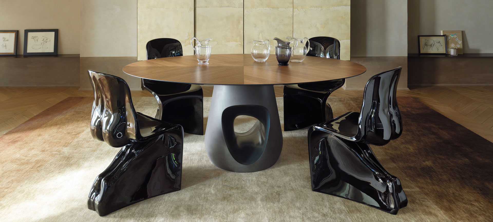 barbara table, hime&her chairs