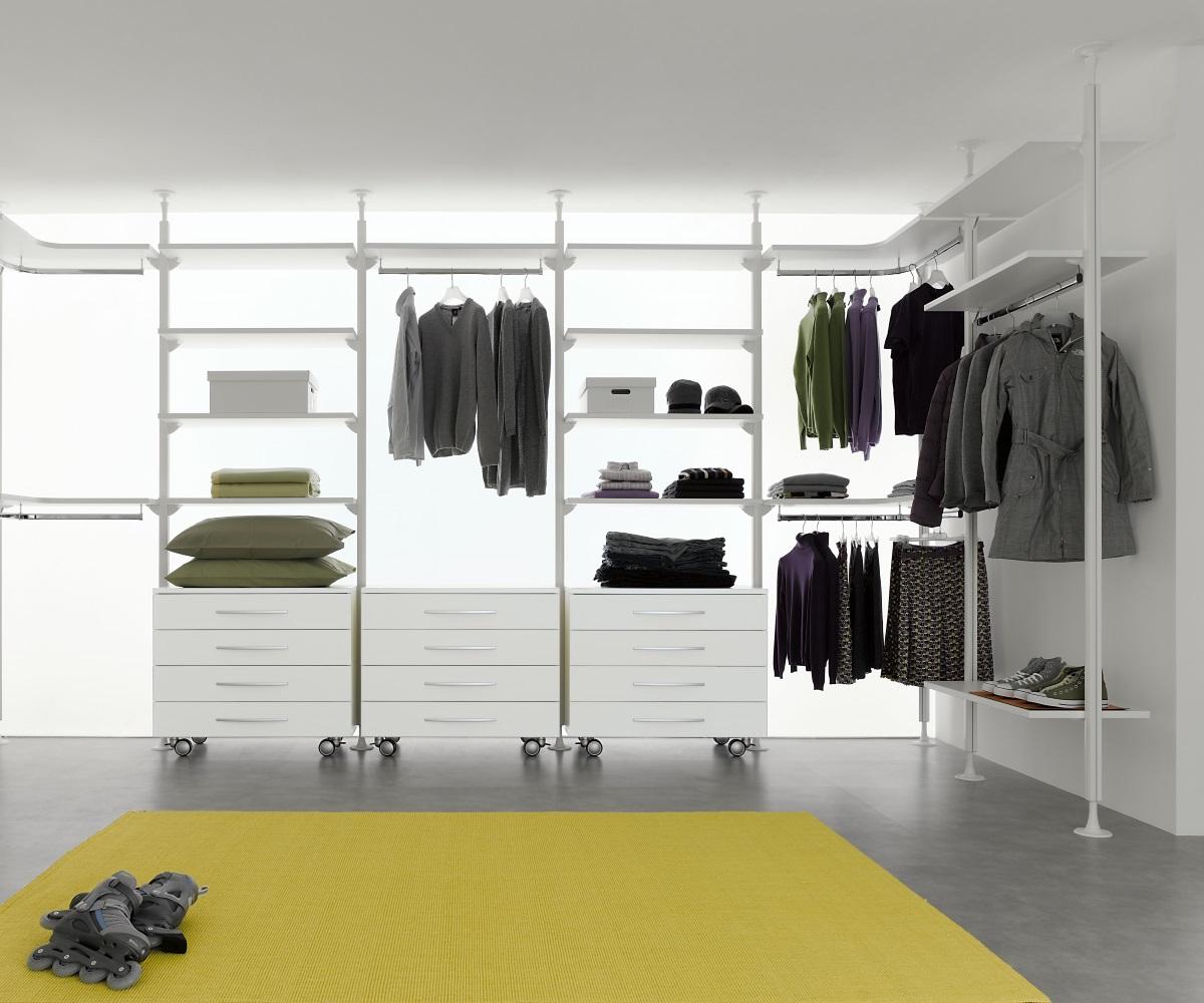 Web cabina armadio arredare casa con mobili di design for Web design di mobili